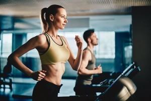 スポーツや運動で胸が垂れてしまうことを防ぐ方法